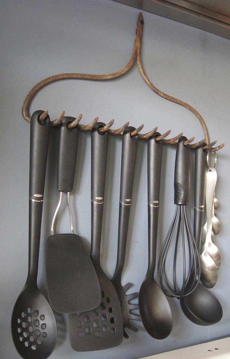 грабли-вешалка