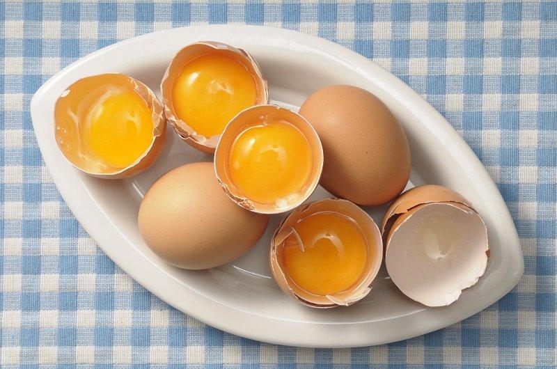 яєчний жовток для волосся