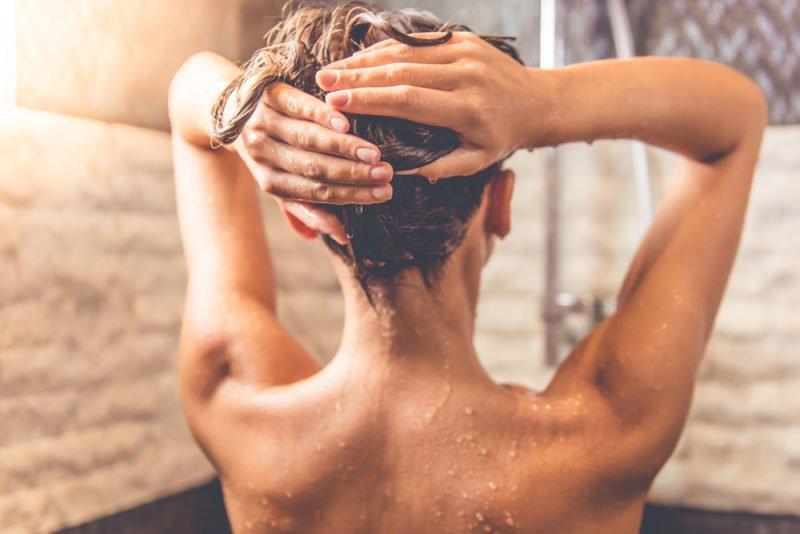 принимать душ после еды
