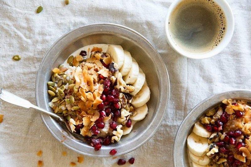 овсянка на завтрак изображение