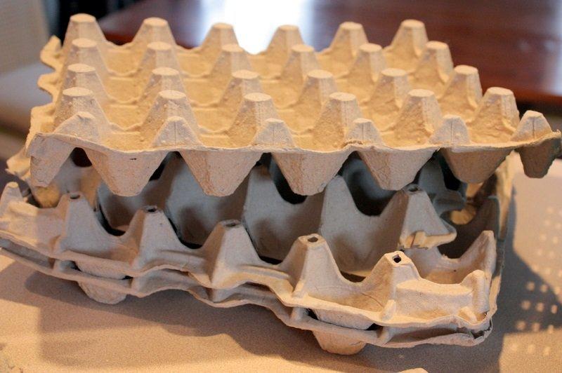 Декор из яичных лотков