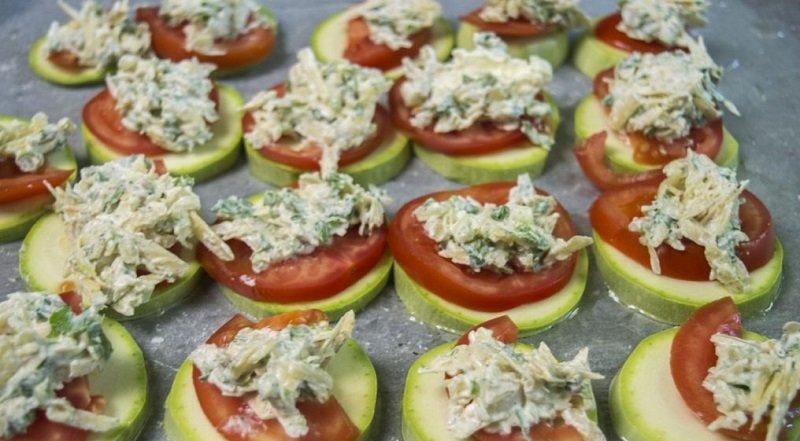 кабачки запеченные с помидорами фото