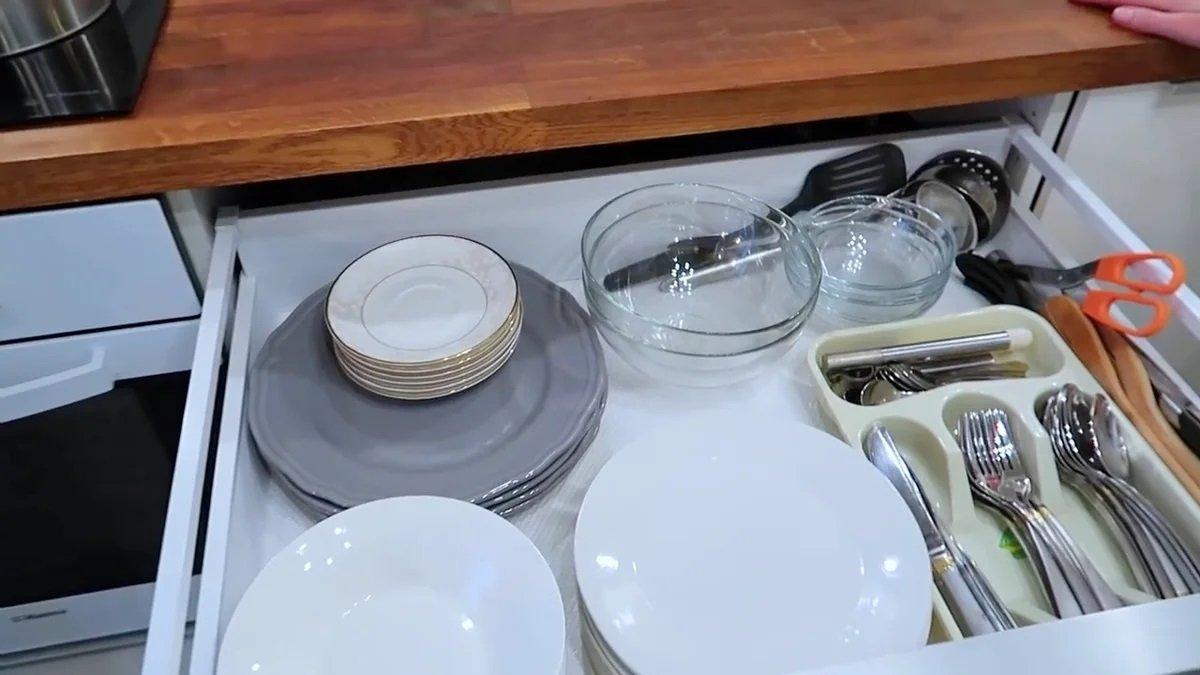 ящик с посудой