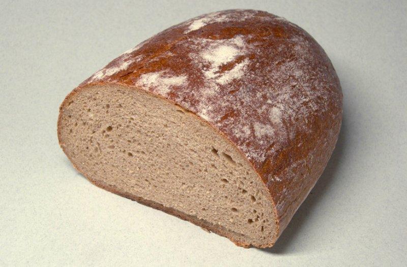 хлеб сделать свежим