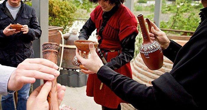 Грузинское застолье с хорошим вином