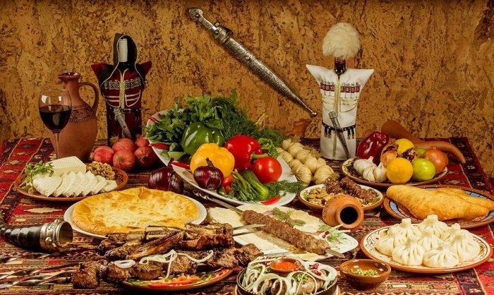 Грузинское застолье, блюда национальной кухни