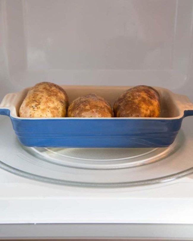 картофель в микроволновке фото