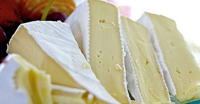 Как есть сыр бри