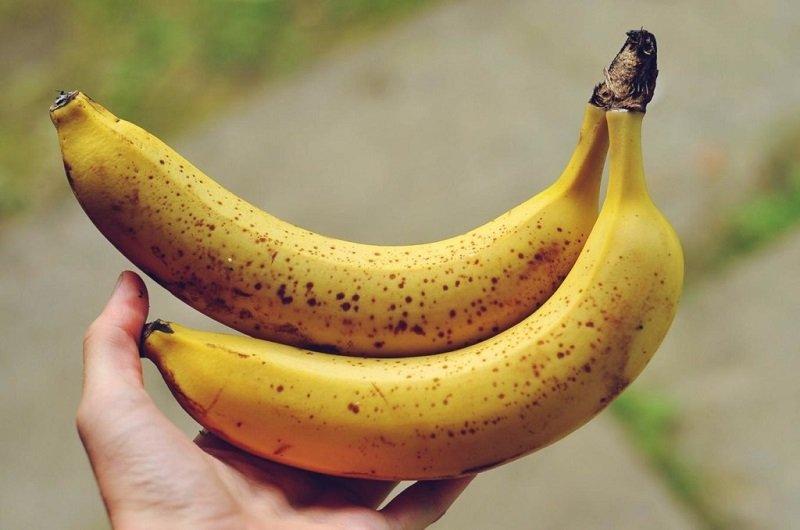 https://sovkusom.ru/wp-content/uploads/blog/k/kak-hranit-banany-doma/3.jpg