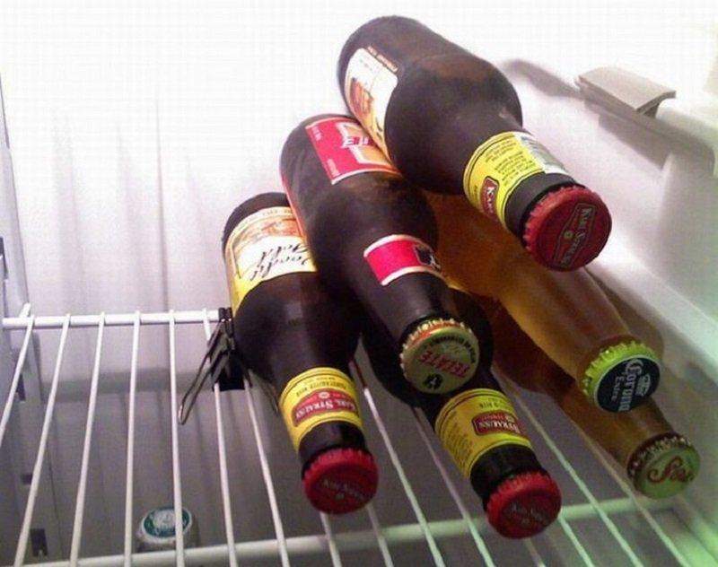 klipsy na butelki w lodówce