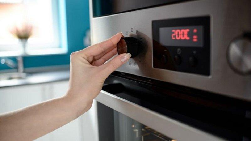 зачем греть духовку