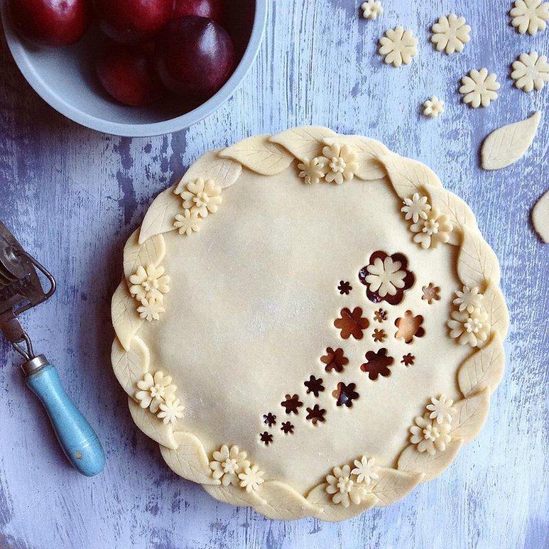 Украшение из теста для пирога с