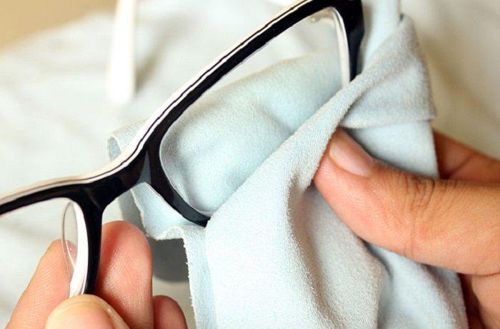 вытирать очки