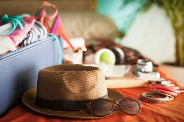 собирать вещи в отпуск
