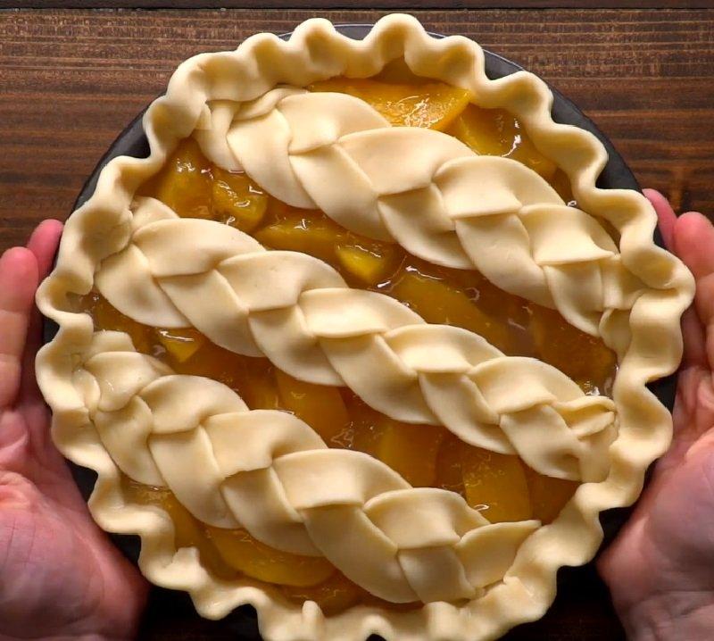 оформление пирога косичкой