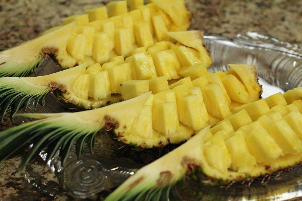 подача ананаса