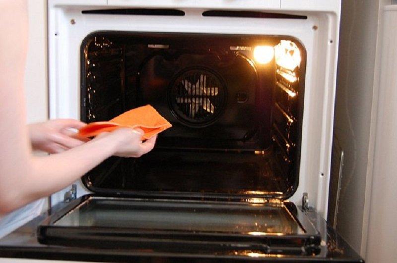 как вымыть духовку