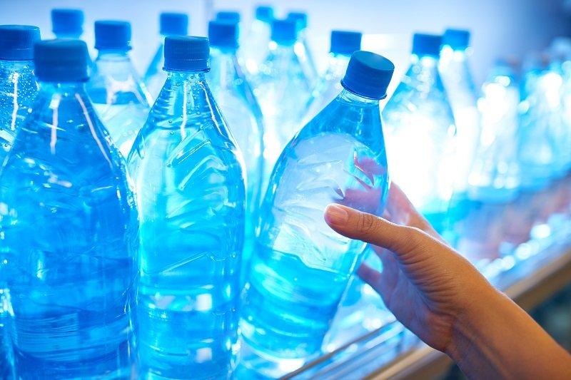 как почистить утюг минеральной водой