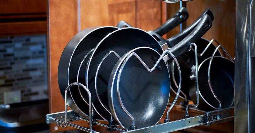 сковородки в посудомойке