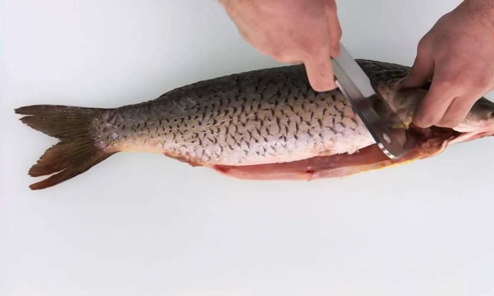 жарить рыбу фото