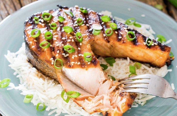 Как приготовить красную рыбу, стейк из лосося в глазури