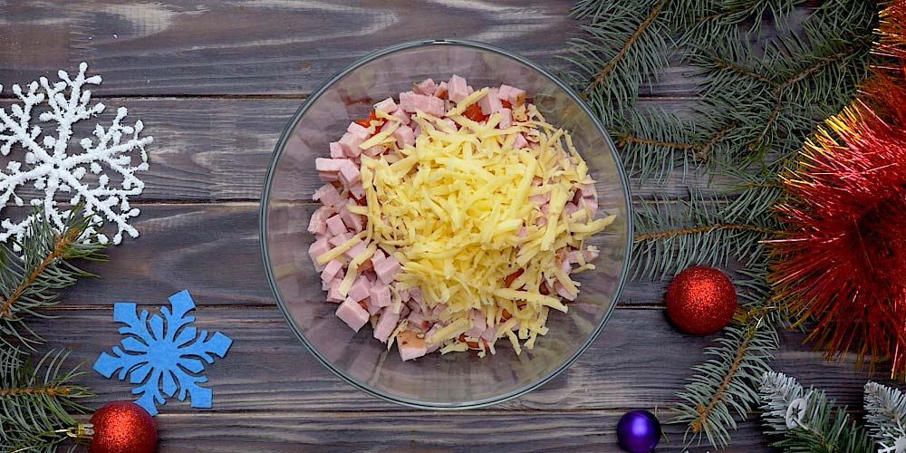 салат с твердым сыром