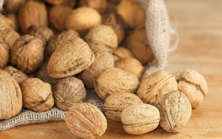 Как и чем можно расколоть орехи