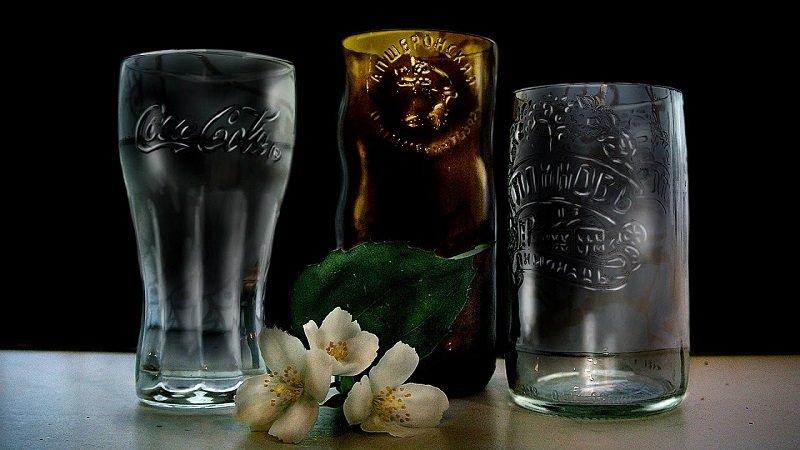 бокалы из стеклянной бутылки