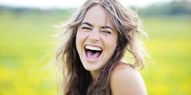 смех при стрессе