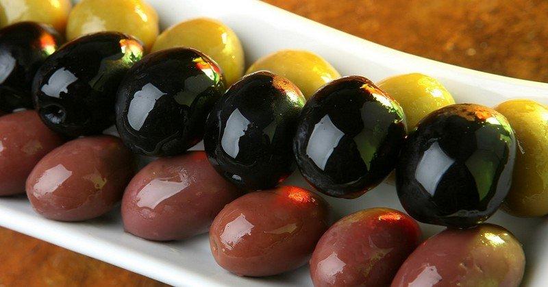 Как выбирать оливки и маслины