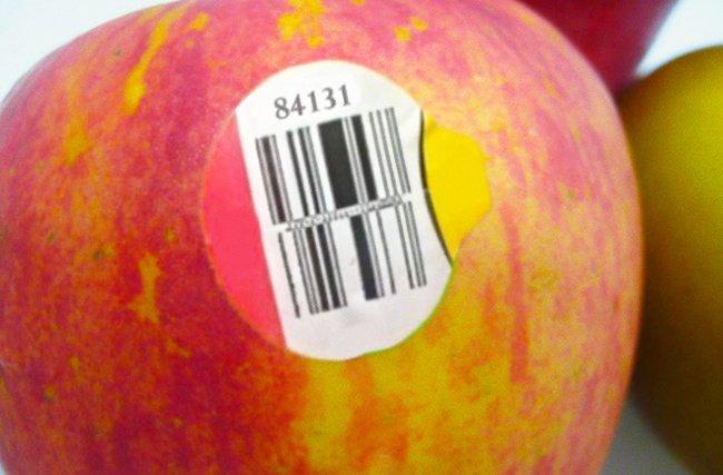 фрукт с наклейкой фото