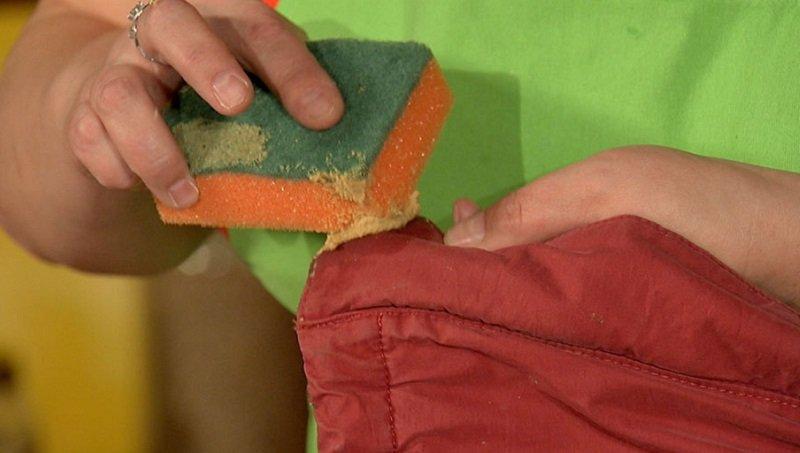 Как вывести пятна жира с одежды