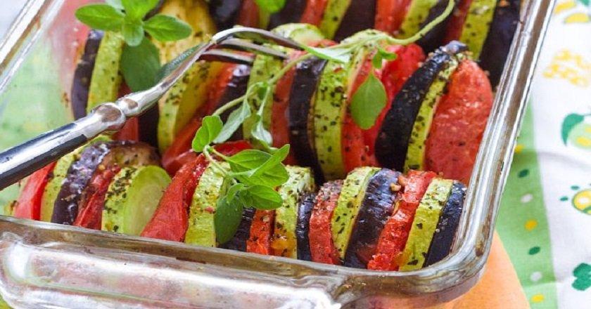 Вкусныеы овощей в духовке