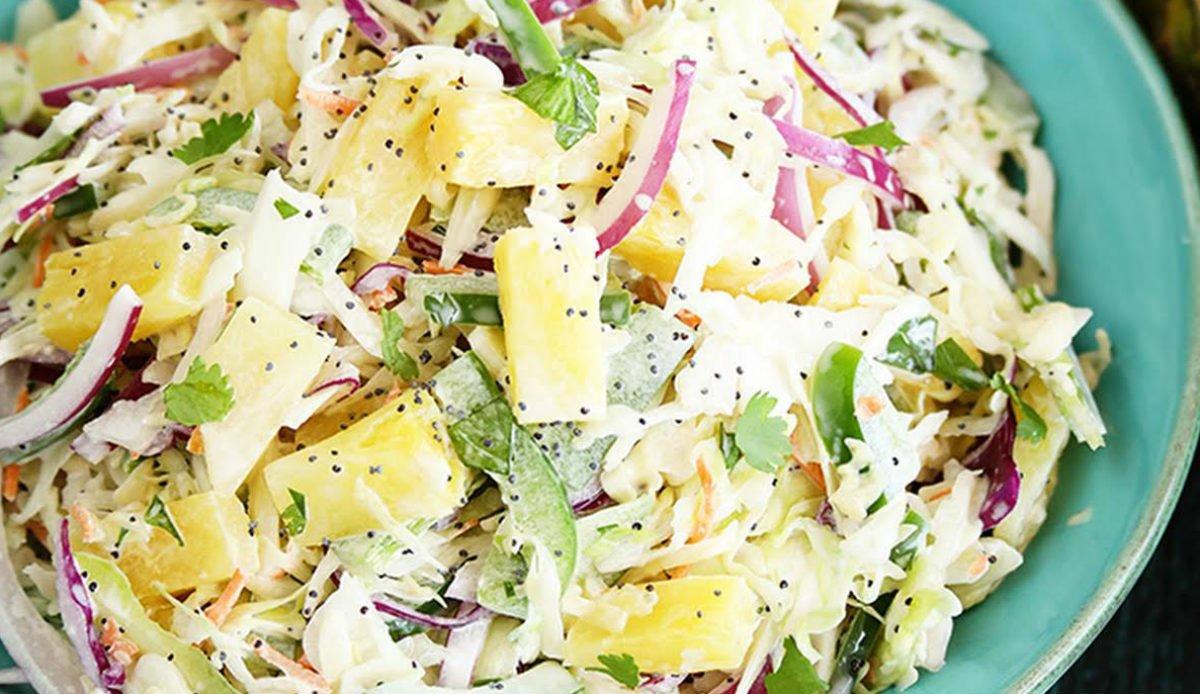 салат з капусти з ананасом