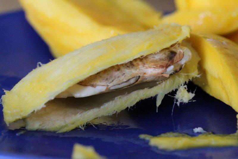 косточка манго для лица