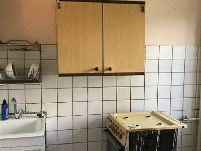 Маленькая кухня в хрущевке с современным ремонтом