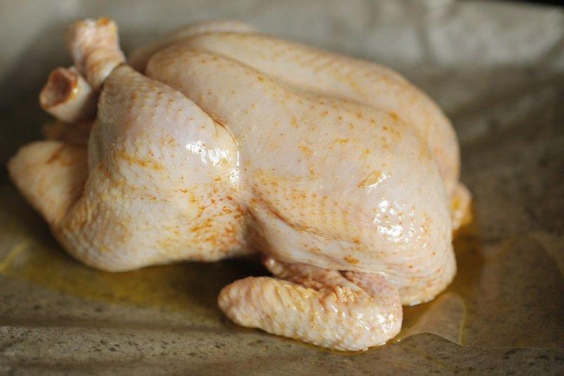 куриная тушка в маринаде