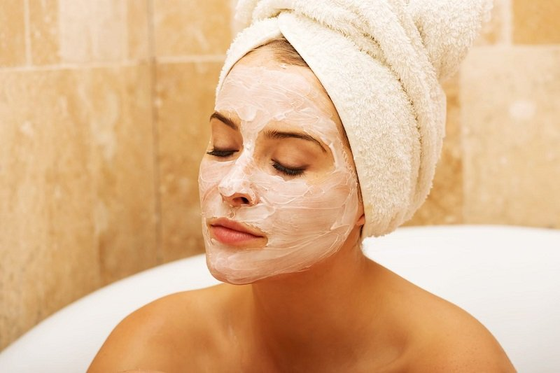 як наносити маску для обличчя
