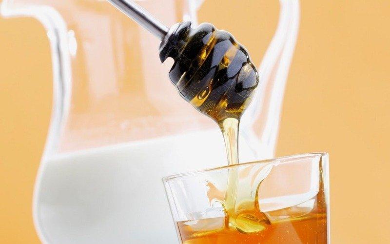 маска из мёда и молока