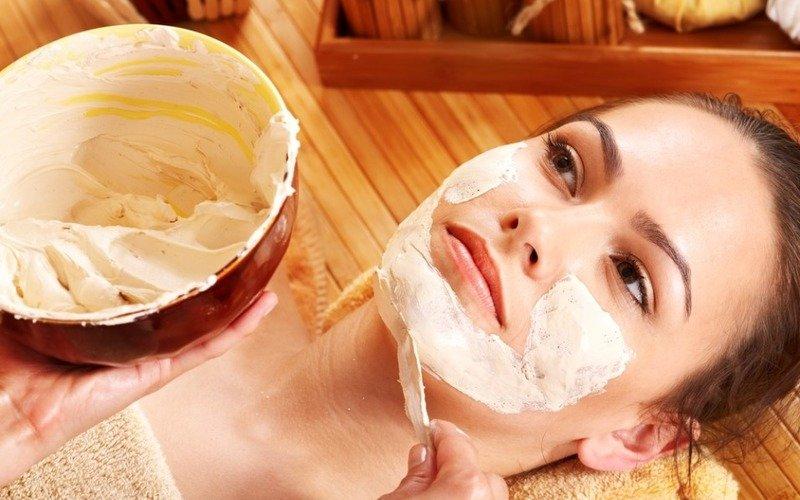 почистить лицо в сауне