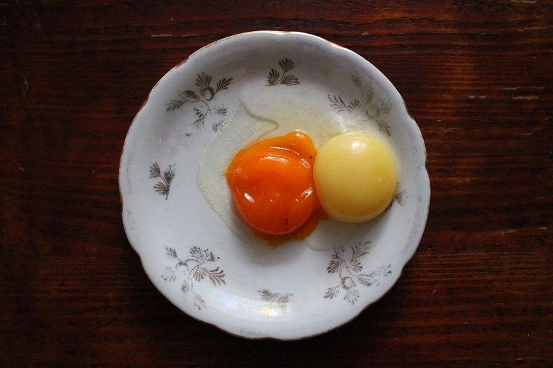 желтый и оранжевый желток