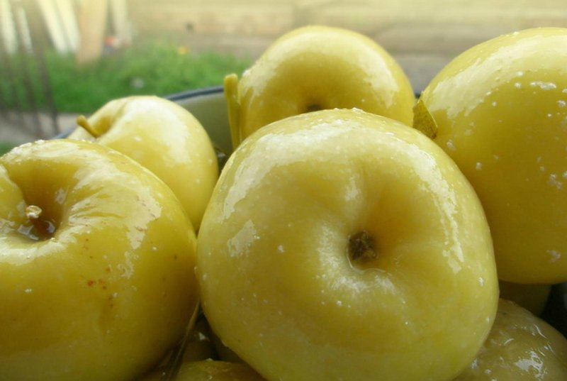 моченые яблоки с ржаным хлебом