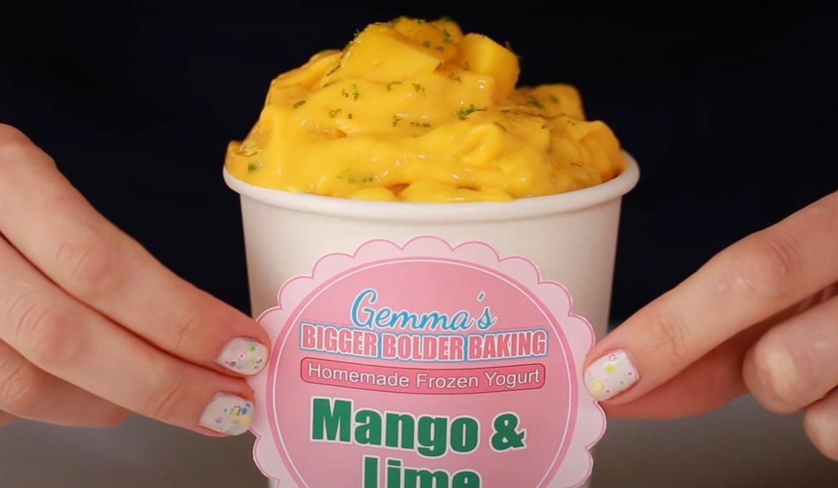 морозиво з йогурту з манго