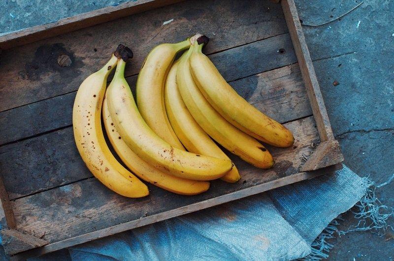 owoce z pleśnią