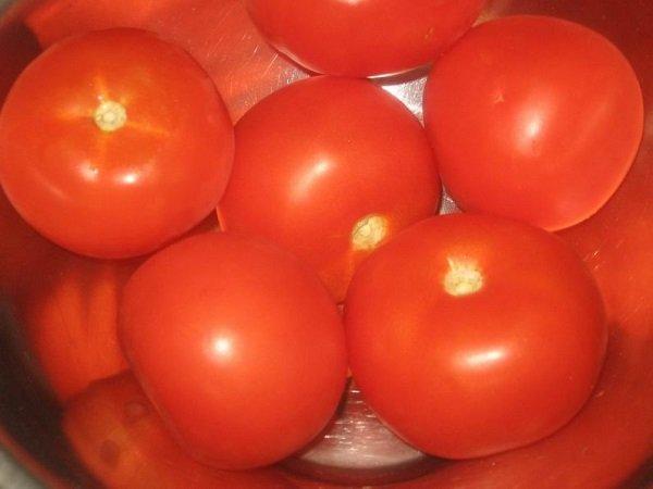 необычный помидор