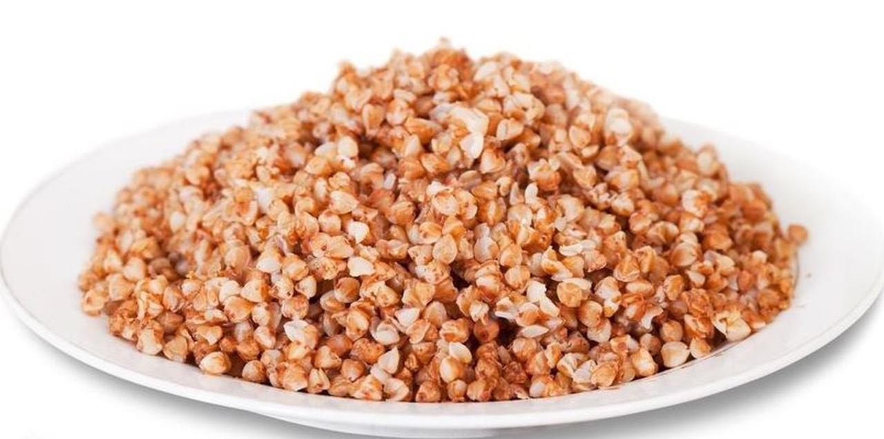 <strong> ]: </p> <ul> <li> 0.5 stosu. kasza gryczana </li> <li> 1 cukinia </li> <li> 100 g grzybów (lub grzybów leśnych) </li> <li> 1 marchew </li> <li> 1 cebula </li> <li> 3-4 pomidory </li> <li> sól do smaku </li> <li> czarny pieprz do smaku [19659010] tymianek do smaku </li> <li> olej roślinny do smaku </li> </ul> <p><strong> Gotowanie </strong>: </p> <ol> <li> Gotować gryczaną, aż do połowy ugotowane. </li> <li> Pokrój cukinię na cienkie paski, zetrzyj marchewkę i pokrój pomidory w kostkę. Duszone te warzywa na małym ogniu. </li> <li> Oddzielnie podsmażyć grzyby, pokroić w cienkie talerze. Gdy pieczarki wyparują nadmiar płynu, dodaj cebulę pokrojoną w pół pierścienia. dalej smażyć na złoty kolor. </li> <li> Wymieszać warzywa, grzyby z cebulą i gryką. Dodaj sól, pieprz i tymianek, wymieszaj. Wrzuć wszystko do garnka, dodaj trochę przegotowanej wody i gulaszu, aż gotowe w piekarniku na 180-200 stopni </li> </ol> <div style=