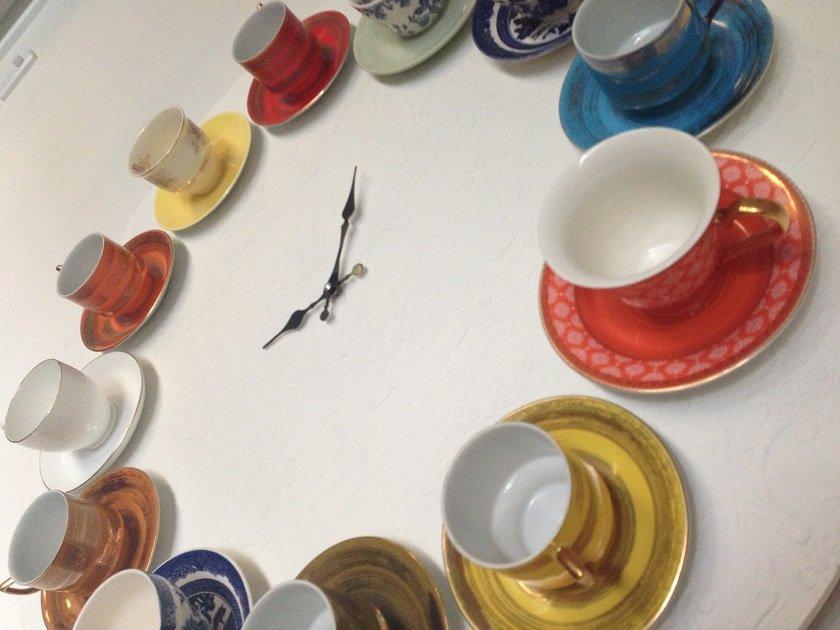 часы из старой посуды