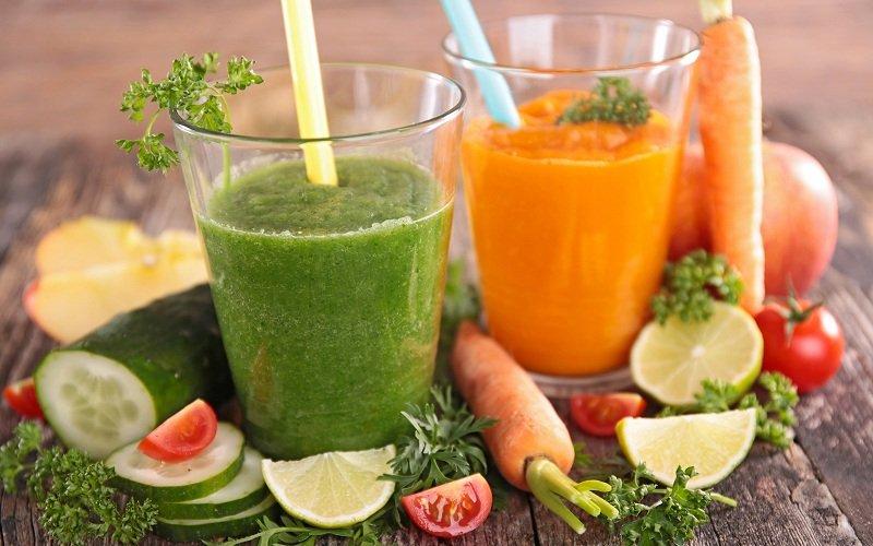 Морковно-огуречный сок для очистки суставов