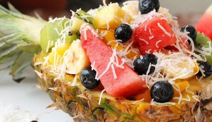 фруктовая нарезка с ананасом
