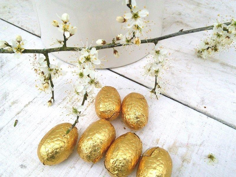 как украсить яйца фольгой
